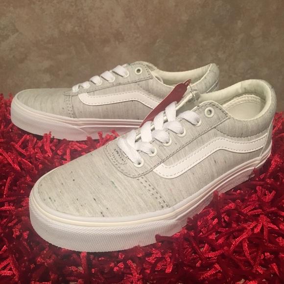8810bbe360 🙇🏽 ♀️Kids Ward Lo Vans Sneaker 👟